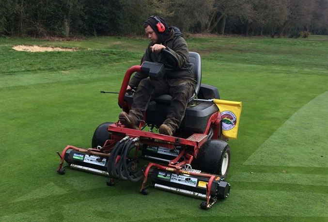 Vibratory Greens Roller