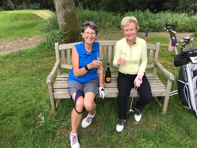 Ladies Captain Irene Crook and Vice Captain Rosemayre Barry enjoying Prosecco during their round